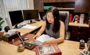 How to Choose the Right Divorce Lawyer in Mississauga