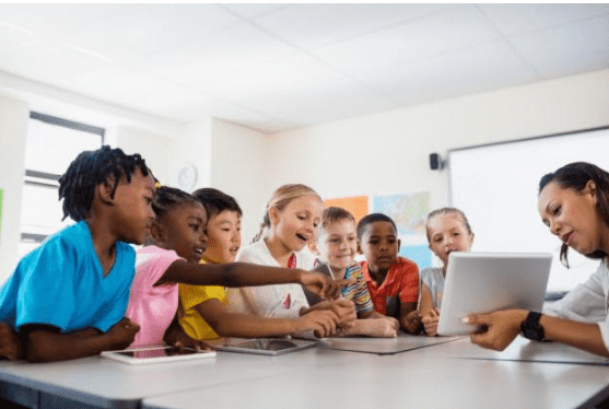 7 Ways Technology in the Classroom Can Enhance Student Learning