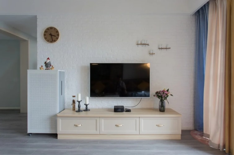 Hire a Professional Service Provider for TV Wall Mounting in Brisbane