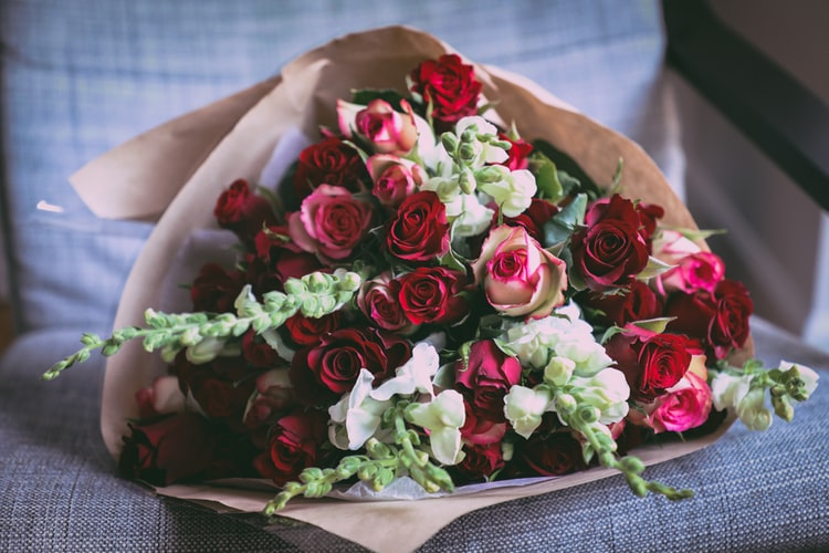 Romantic Summer Flowers for the Woman You Love
