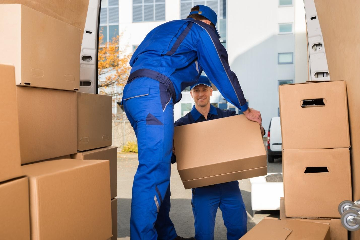 How to Pack Moving Boxes the Most Efficient Way?