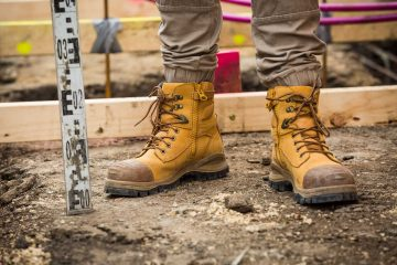 15 Best Work Boots for Men – Buyer Guide for Everyone