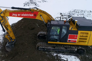 What Are the Various Uses of Massive Earthmoving Excavators?