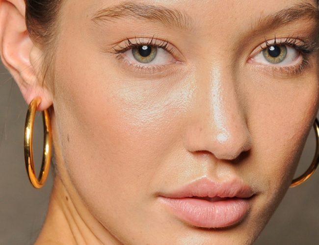 5 Tips To Deal With Sudden Acne Breakouts