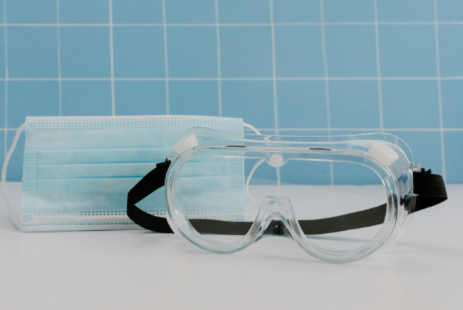 Find PPEs online: Safety Goggles